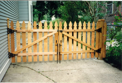 build wood entry gate